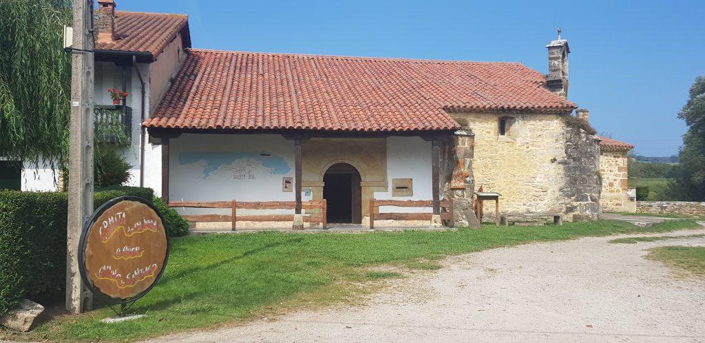 Der unscheinbare Eingang der Ermita