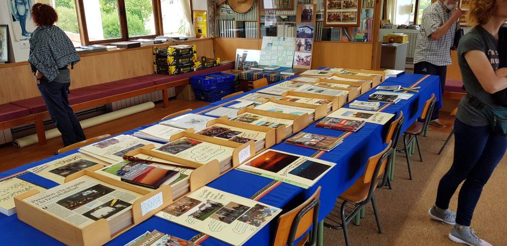 Die Bibliothek der Herberge